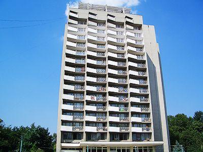 Готель Мирний